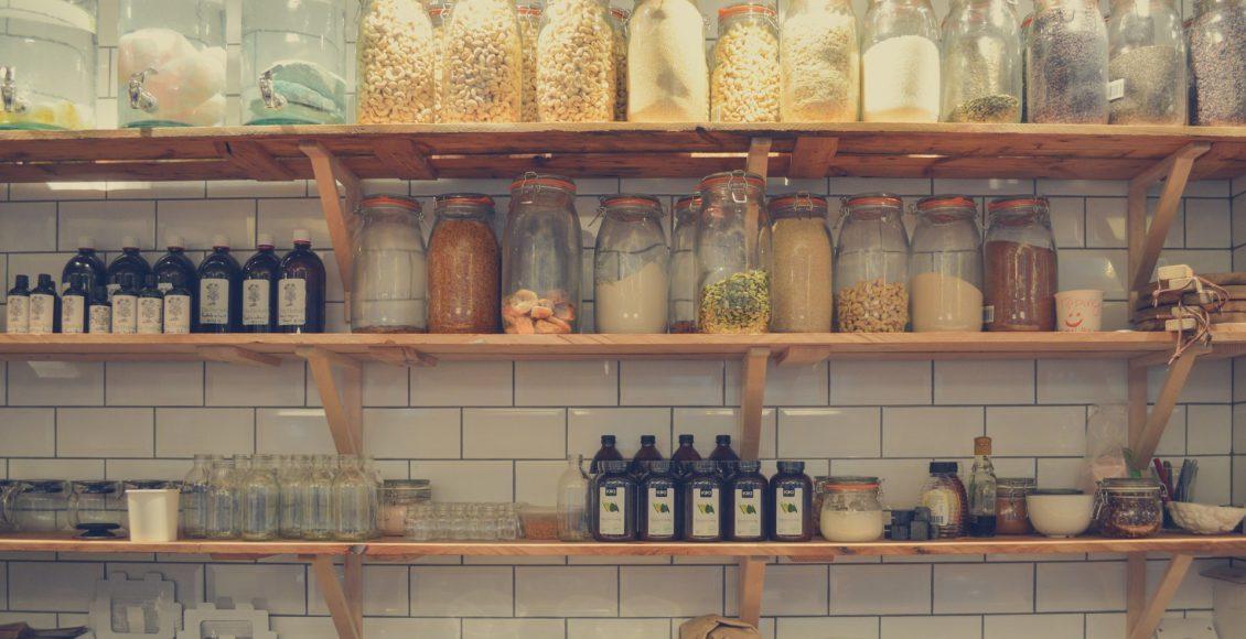 Tipps für Ordnung und mehr Platz in deiner Küchenzeile