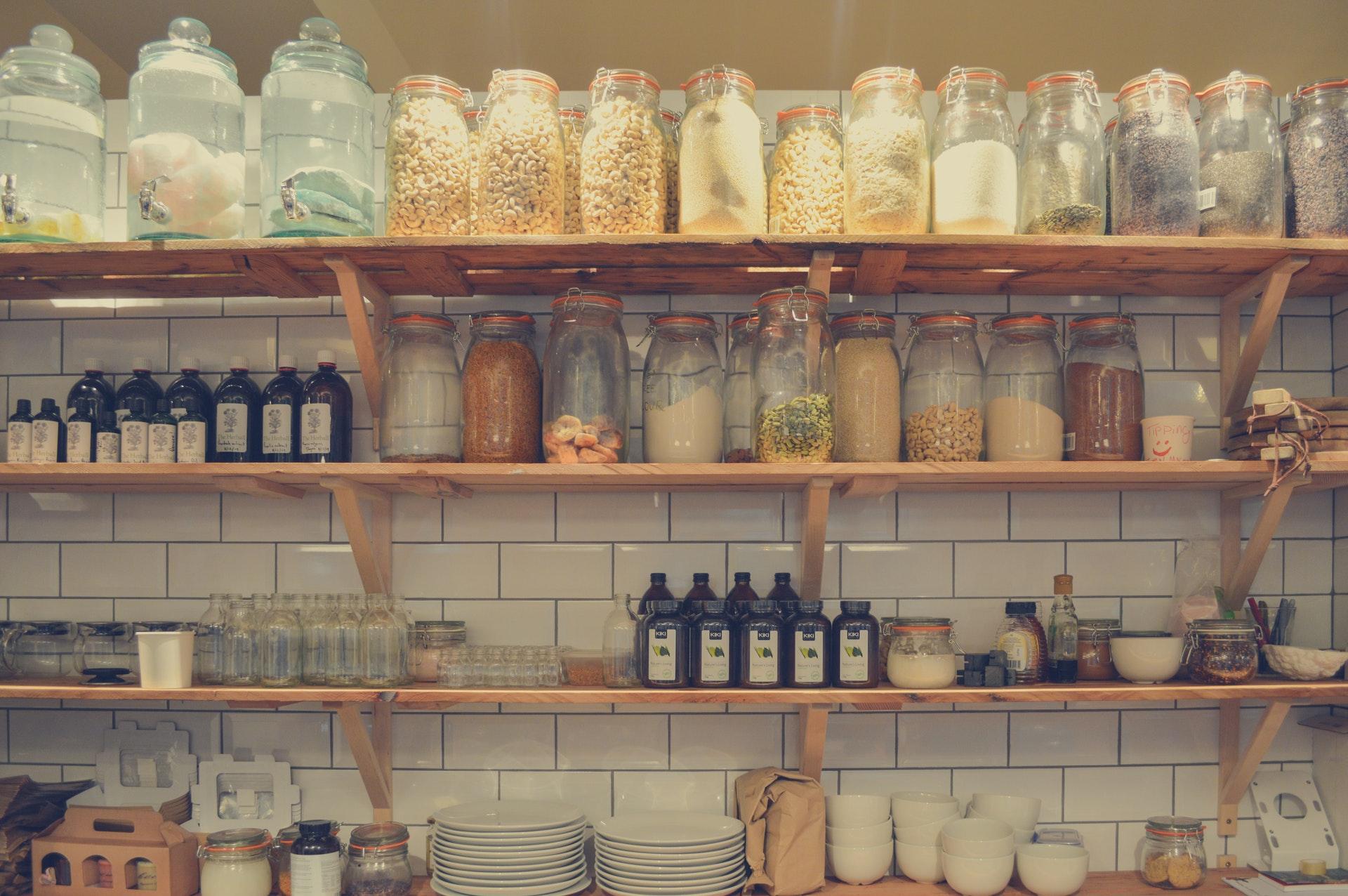 Tipps für Ordnung und mehr Platz in deiner Küchenzeile ...